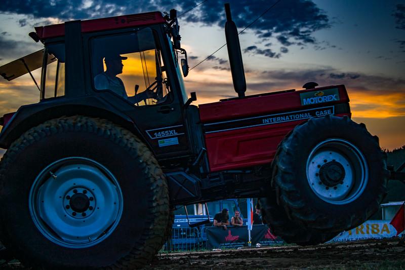 Tractor Pulling 2015-01720.jpg