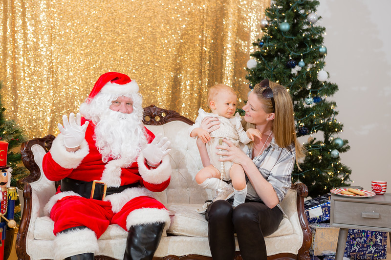 FADS Picture with Santa-212.jpg