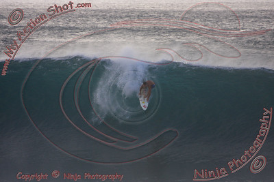<font color=#F75D59>2009_11_01 pm - Surfing Pipeline, NORTH SHORE</font>