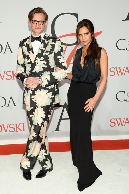 . Hamish Bowles, left, and Victoria Beckham arrive at the 2015 CFDA Fashion Awards at Alice Tully Hall, Lincoln Center, on Monday, June 1, 2015, in New York. (Photo by Evan Agostini/Invision/AP)
