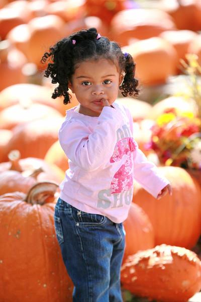 11-10-28 Aaryanna in Pumpkin Patch