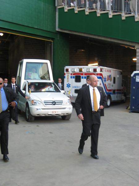 Pope Mass Nats Stadium 4-17-08 047.jpg