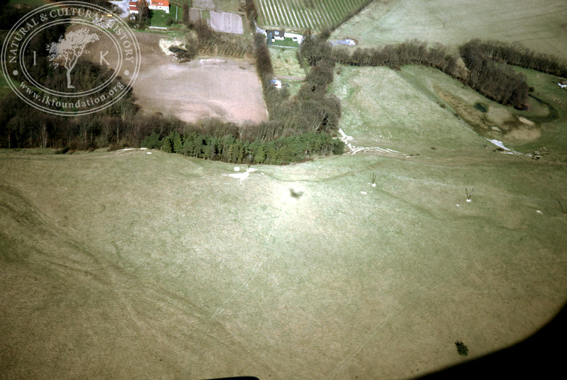 Verkaån, upstream - with plantations, buildings and prehistoric remains (4 May, 1989). | LH.0662