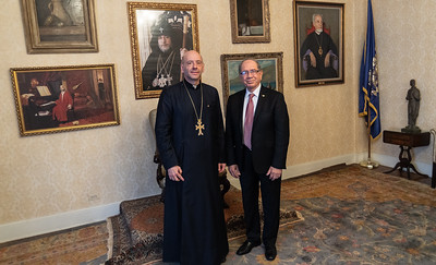 Primate Meets with Zaven Khanjian