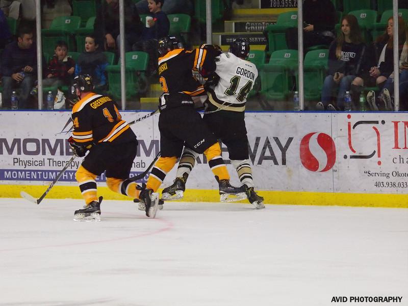 Okotoks Oilers vd Olds Grizzlys Oct20 AJHL (9).jpg