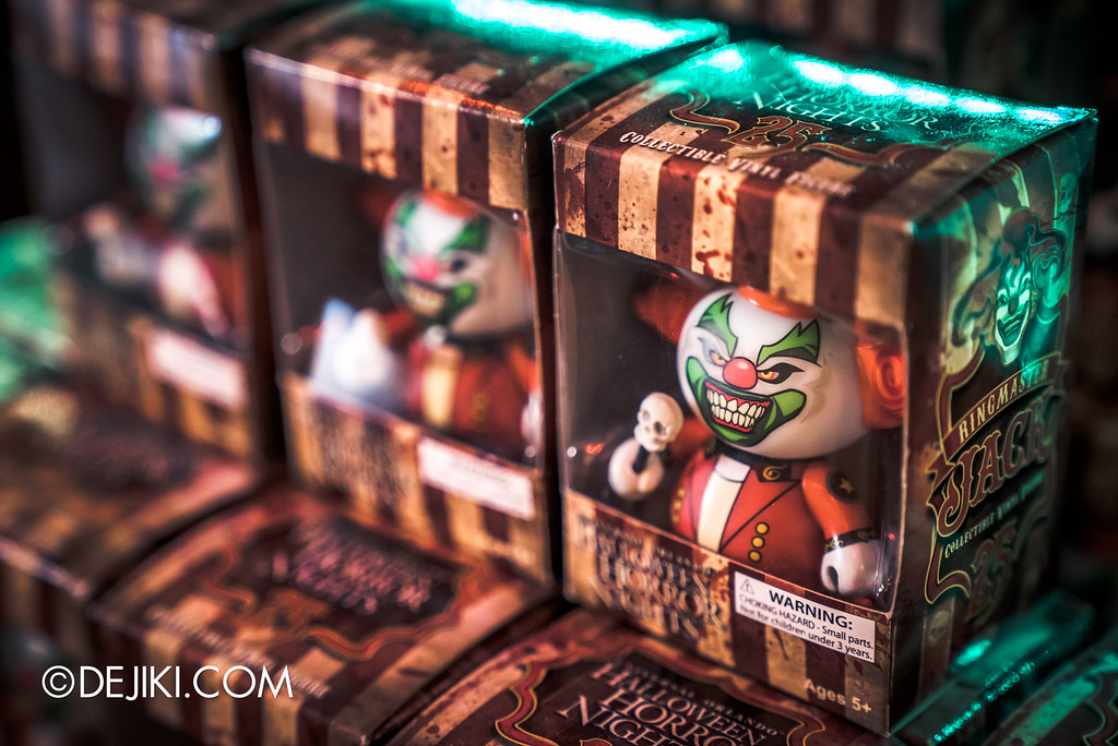 Universal Studios Singapore - Halloween Horror Nights 6 Before Dark Day Photo Report 4 - HHN6 Jack the Clown merchandise corner / HHN25 Ringmaster Jack Vinyl figurine