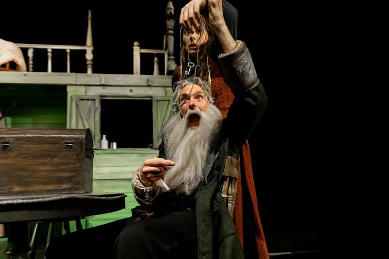 040 Tresure Island Princess Pavillions Miracle Theatre.jpg