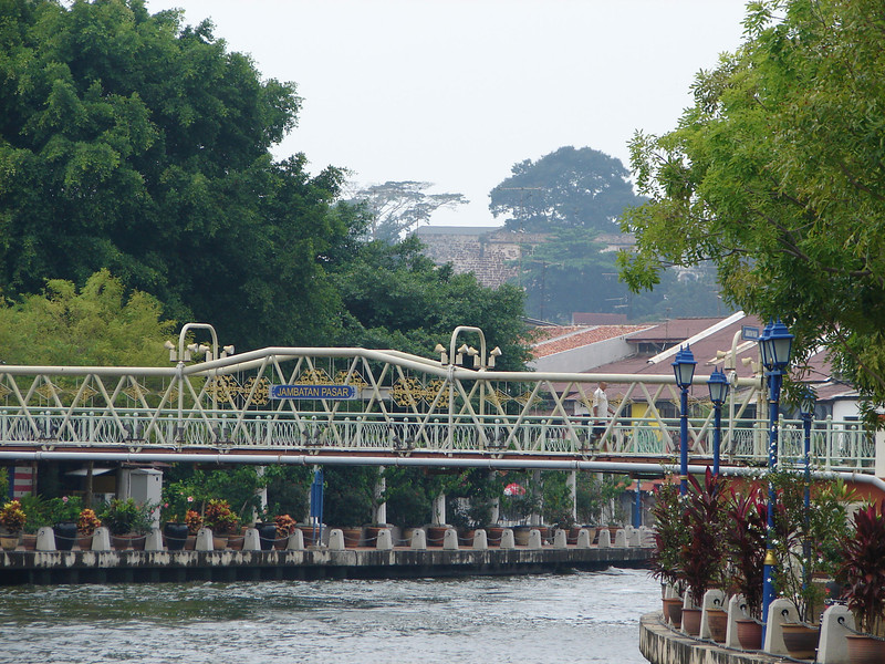 On our river walk with Historian Arhchoo in Malacca (17).JPG