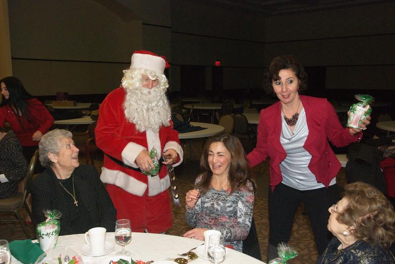 2014-12-04-Philtopchos-Seniors-Christmas-Luncheon_016.jpg