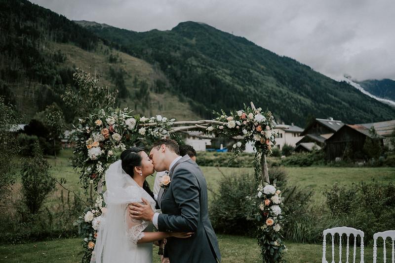 Tu-Nguyen-Destination-Wedding-Photographer-Chamonix-French-Alps-Paul-Hua-Yu-277.jpg