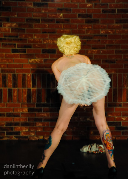 Burlesque (85 of 88).jpg