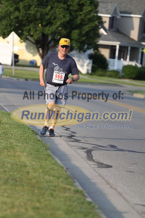 2 Mile 0.2 mile from finish - 2015 Boyne City Independence Day Run
