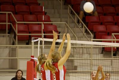 Volleyball vs. Gustine