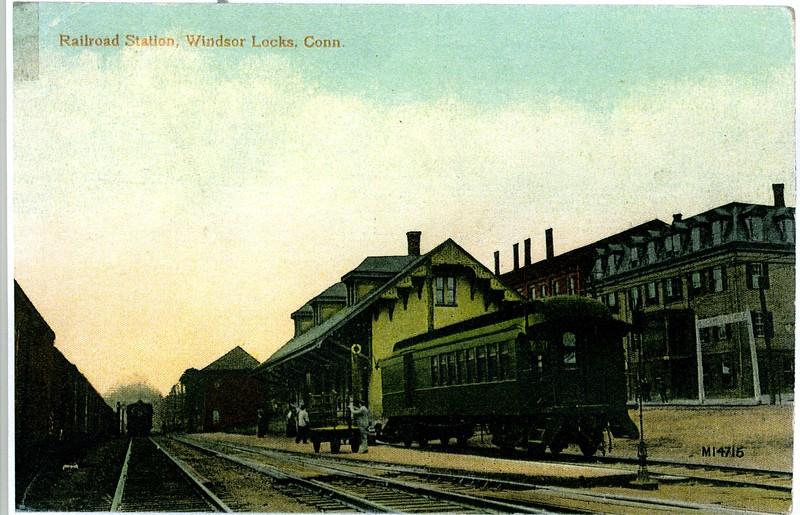 1915 WL Train Station.jpg