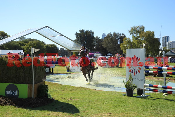 2016 12 10 Eventing in the Park Grand Prix 06 Philippa Oversby Brooklands Brew