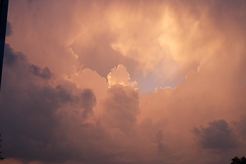 red-clouds-dawn_8784156998_o.jpg