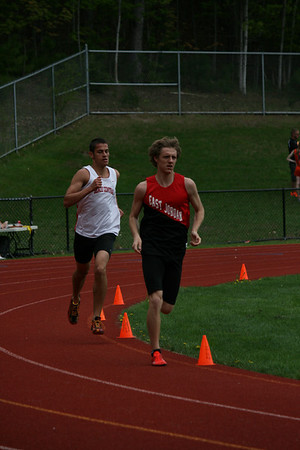 Boys 3200m- 2013 MHSAA T&F Regional at East Jordan