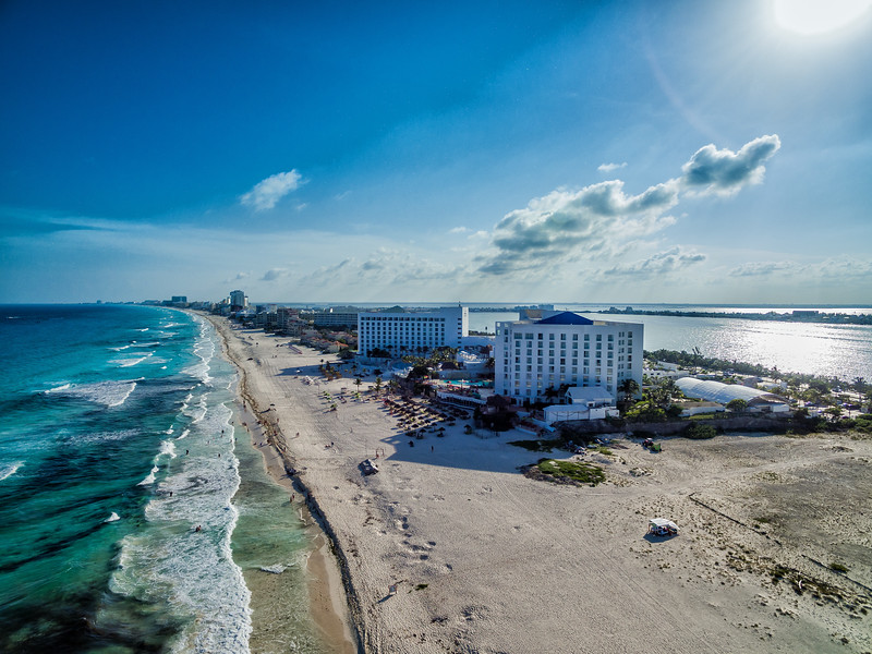 Best Time to Visit Cancun Strip