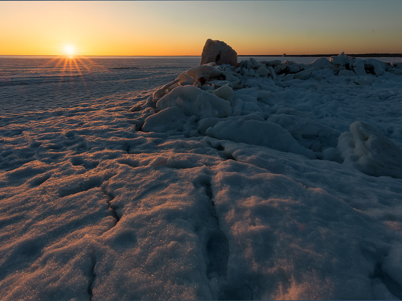 Sunset with ice cakes