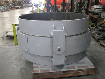 Single hinged expansion joint