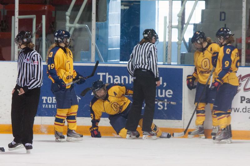 20130310 QWHockeyvsUBC 437.jpg