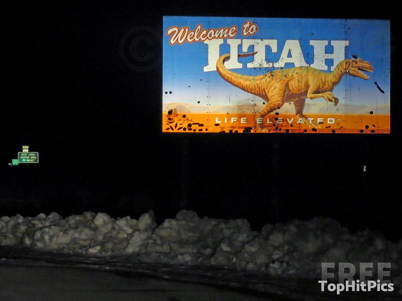 Welcome To Utah Sign in Uintah County, Dinosaur, Utah