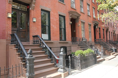 INT Opal's Brownstone