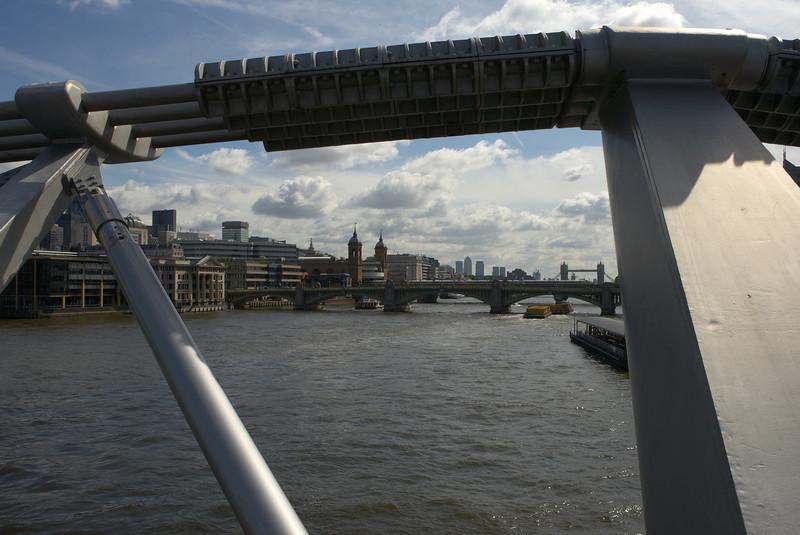 EOS13175 London.jpg