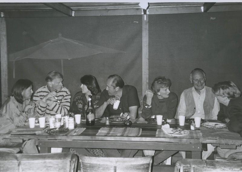 1991 - (L > R) Patrick Hayes, Joanne & Tom Meschery, Joan & Richard Reinhardt, Nixa Hicks.jpeg