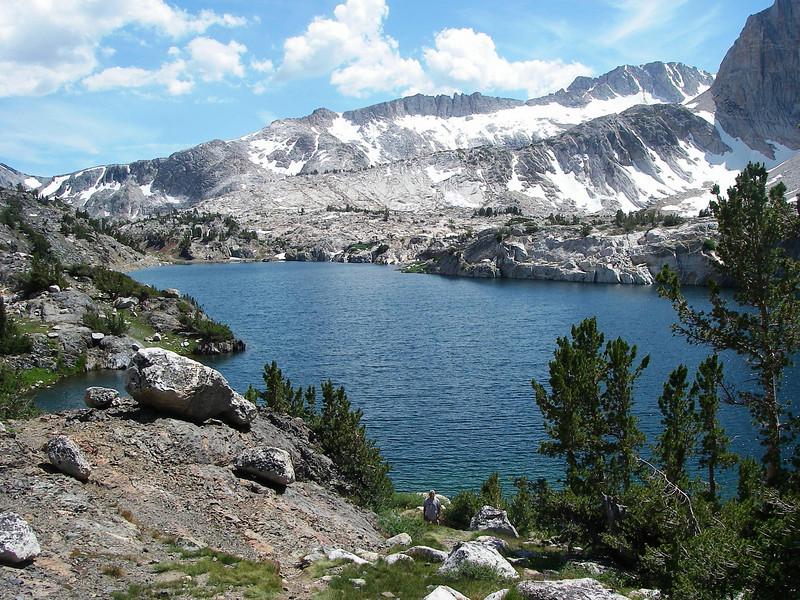 Steelhead Lake (3.130m or 10,270ft) is the deepest lake on this 5 mile loop