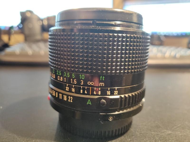 Canon FD 28 mm 2.8 - Serial U704 & 22514 002.jpg