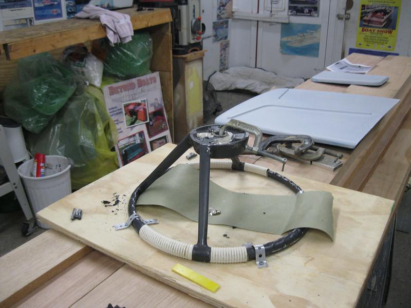 Starting to repair the steering wheel.