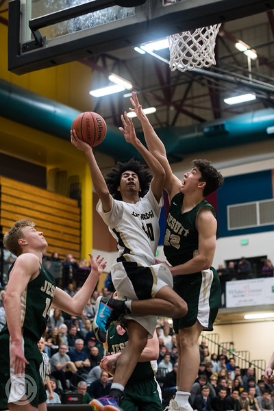 Var BB vs Jesuit-67.jpg