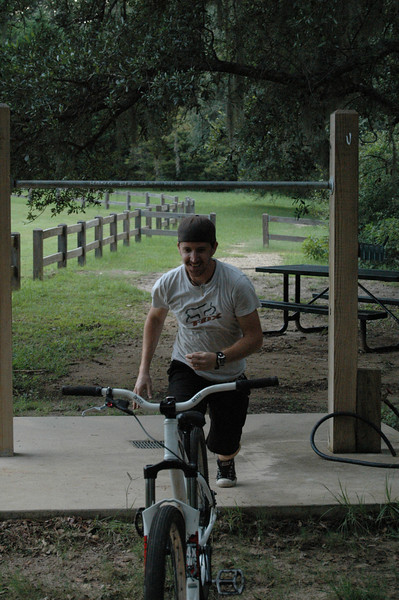 I tried to convince LT to leap over the bar and land back on the bike. Maybe next time.