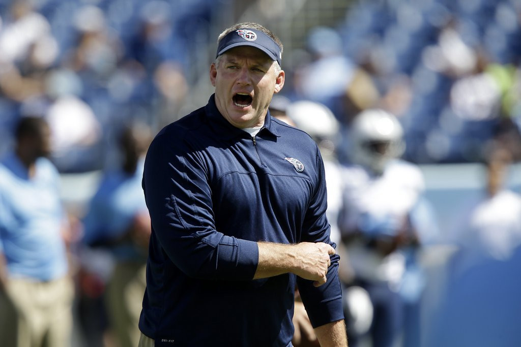 . <p><b> Titans at Jaguars (+5½):</b>  <p>Tennessee coach Mike Munchak said he�s proud of his Titans after they rallied from 17 points down against Arizona to force overtime Sunday. And his players are equally fond of him and plan to give him great job references after he�s fired in a couple of weeks. <p>Pick: <b>Titans by 4</b> <p>    (AP Photo/Wade Payne, File)