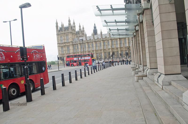 London-ParlimentAndBuses.jpg