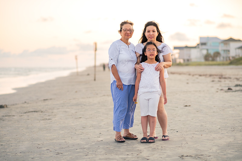 Mom_70th_Bday_Galveston_2019-169.jpg