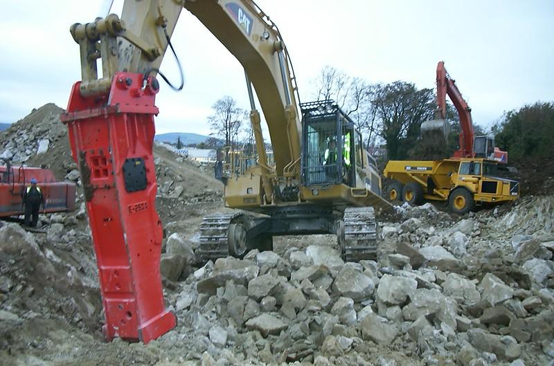 NPK E260A hydraulic hammer on Cat excavator .jpg