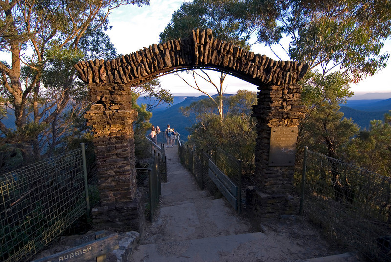 Gateway to Three Sisters, Blue Mountains National Park - NSW, Australia