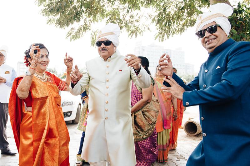 Poojan + Aneri - Wedding Day EOSR Card 1-0816.jpg