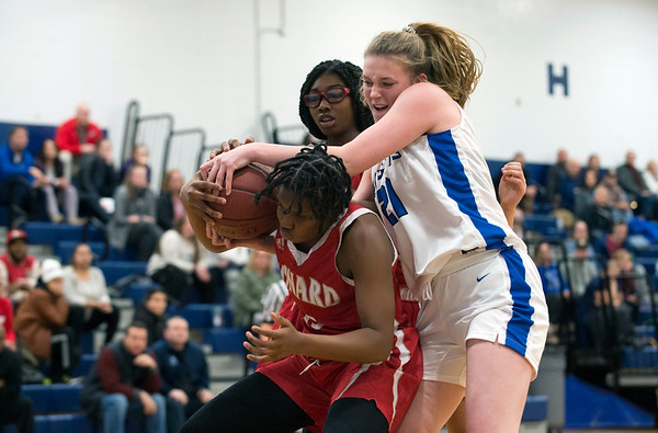 01/06/19 Wesley Bunnell | StaffrrSouthington girls basketball vs Conard on Monday night at Southington High School. Madison Hulten (21).