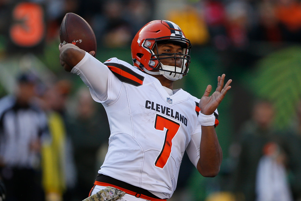 . Cleveland Browns quarterback DeShone Kizer passes in the first half of an NFL football game against the Cincinnati Bengals, Sunday, Nov. 26, 2017, in Cincinnati. (AP Photo/Gary Landers)