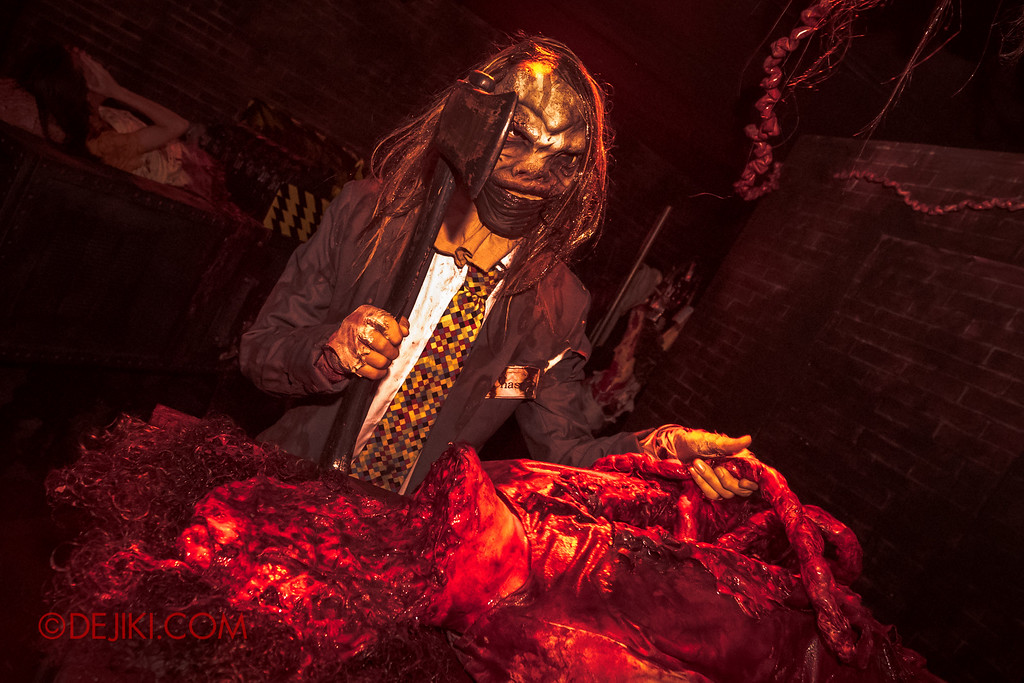 Halloween Horror Nights 6 - Bodies of Work / The workshop cutting down to size