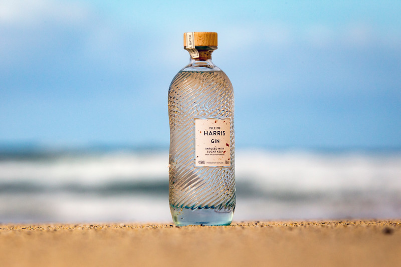 HarrisGin_on_the_beach_MoThomson.jpg
