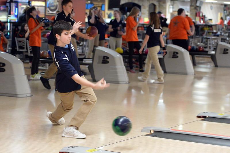 boys_bowling_9796.jpg