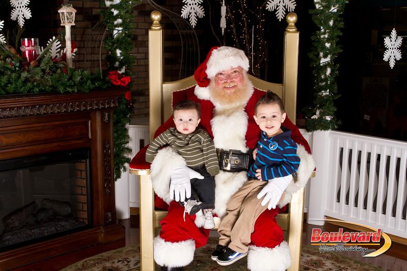Santa Dec 15-298.jpg