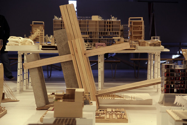 Exhibiting Architectures