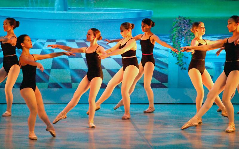 livie_dance_051714_02.jpg