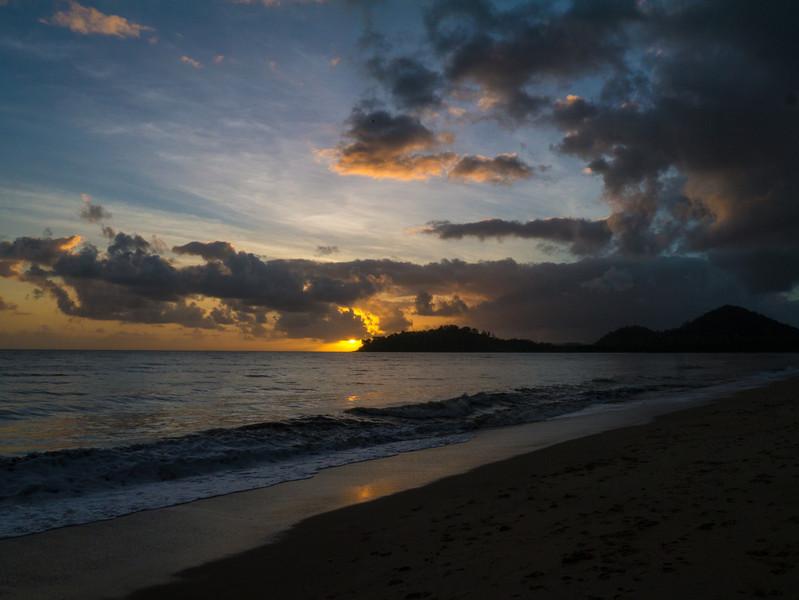 Sunrise over Kewarra Beach.