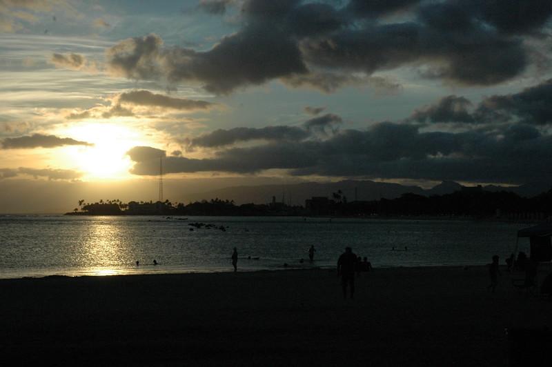 Hawaii - Ala Moana Beach Sunset-10.JPG